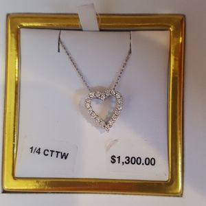 IGI  1/4 KT White Gold diamond heart necklace